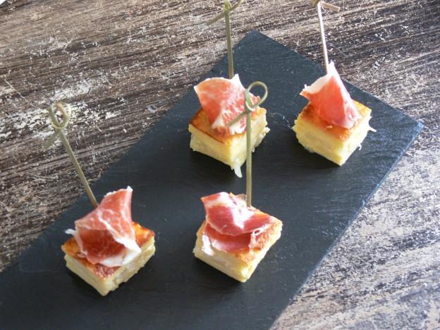 Croque monsieur d'oignon jaune et jambon ibérique