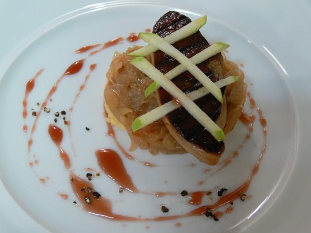 P1080202 Tatin de foie gras de canard grillé au confit d'oignon doux